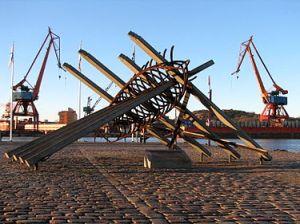 375px-Swedish_war_sailors_memorial_in_Gbg